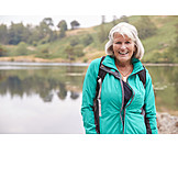 Portrait, Outdoor, Aktive Seniorin