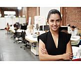 Geschäftsfrau, Großraumbüro