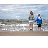 Togetherness, Sea, Siblings