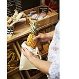 Shopping, Pineapple