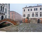Human Deserted, Hazy, Venice