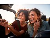 Glücklich, Autofahren, Freundinnen