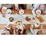 Familie, Esstisch, Mittagessen