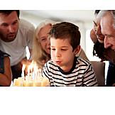 Junge, Geburtstag, Auspusten, Geburtstagskuchen