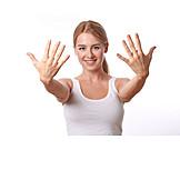 Hautpflege, Nagelpflege, Frauenhand