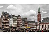 Market, Frankfurt, Römerberg, Old Nikolai Church