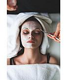 Applying, Facial Mask