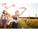 Sommer, Unbeschwert, Freundinnen, Rauchbombe
