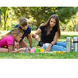 Eingießen, Tee, Teekanne, Picknick