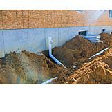 Hausbau, Kanalisation, Rohrleitung