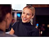 Geschäftsfrau, Bar, Unterhalten
