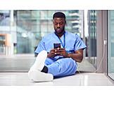 Mobile Kommunikation, Pause, Lesen, Krankenpfleger