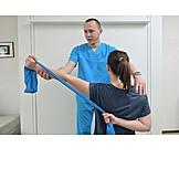 Praxis, Gymnastik, Patientin, Verletzung, Dehnung, Krankengymnastik, Physiotherapeut