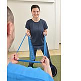 Patientin, Verletzung, Therapie, Rehabilitation, Krankengymnastik