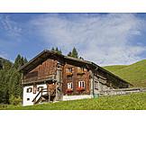 House, Tirol, Traditional