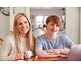 Zuhause, Behinderung, Sozialarbeit, Trisomie 21, Assistenz