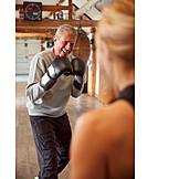 Aktiver Senior, Spaß, Boxen, Workout