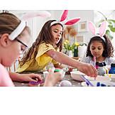 Ostern, Osterei, Bemalen, Freundinnen, Hasenohren