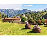 Landwirtschaft, Heuhaufen, Kloster Morača