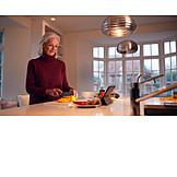 Seniorin, Zubereitung, Paprika, Schneiden, Rezept, Tablet-pc