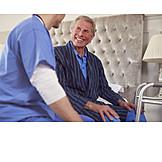 Senior, Altenpflege, Krankenpfleger, Hausbesuch