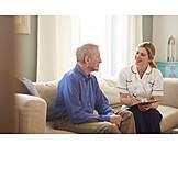 Zuhause, Altenpflegerin, Gespräch, Reden, Altenpflege, Hausbesuch