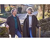 Glücklich, Spaziergang, Seniorenpaar
