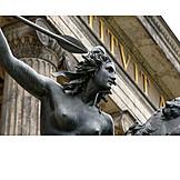 Berlin, Amazon parrot, Bronze sculpture