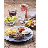 Griechische Küche, Bifteki, Grillteller, Ouzo