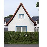 House, Hedge