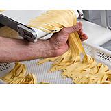Tagliatelle, Manufacturing, Pasta Machine